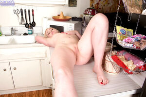 wife eats pussy for the first time