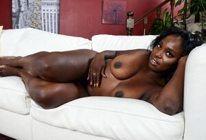 beautiful black milf