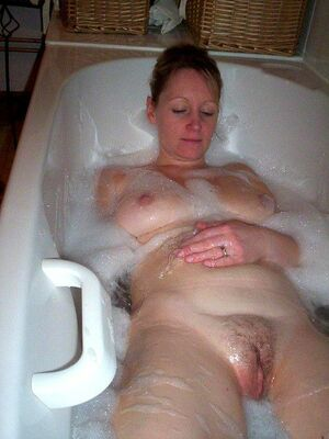 amateur mature housewives