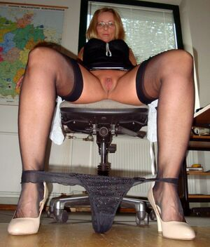 mature nylon stockings