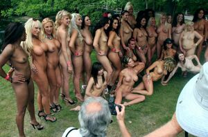 girls naked parties
