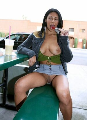 nude black women in public